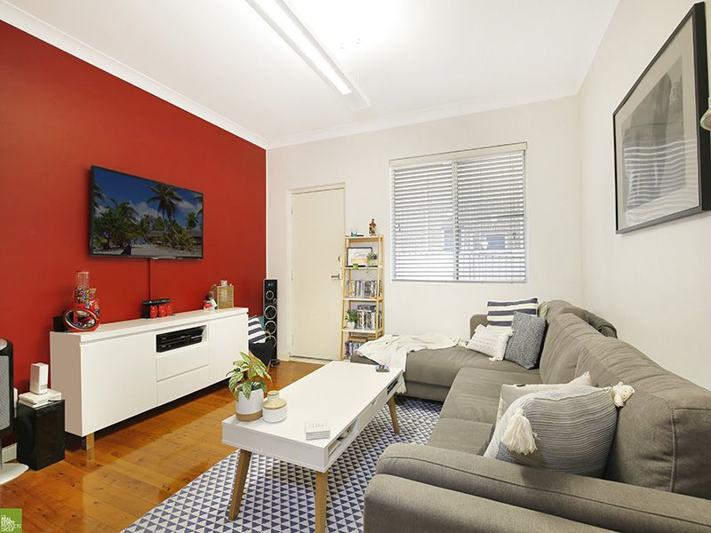 2/5 Gilmore Street, West Wollongong NSW 2500, Image 1