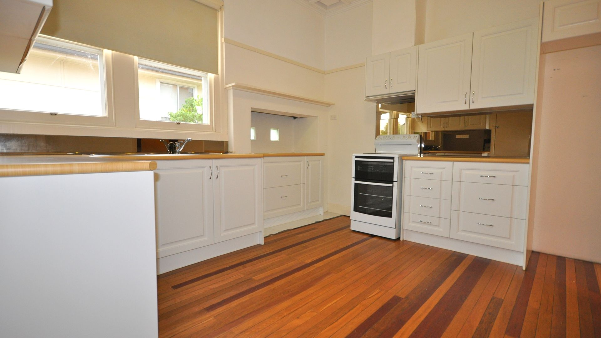1012 Corella Street, North Albury NSW 2640, Image 2