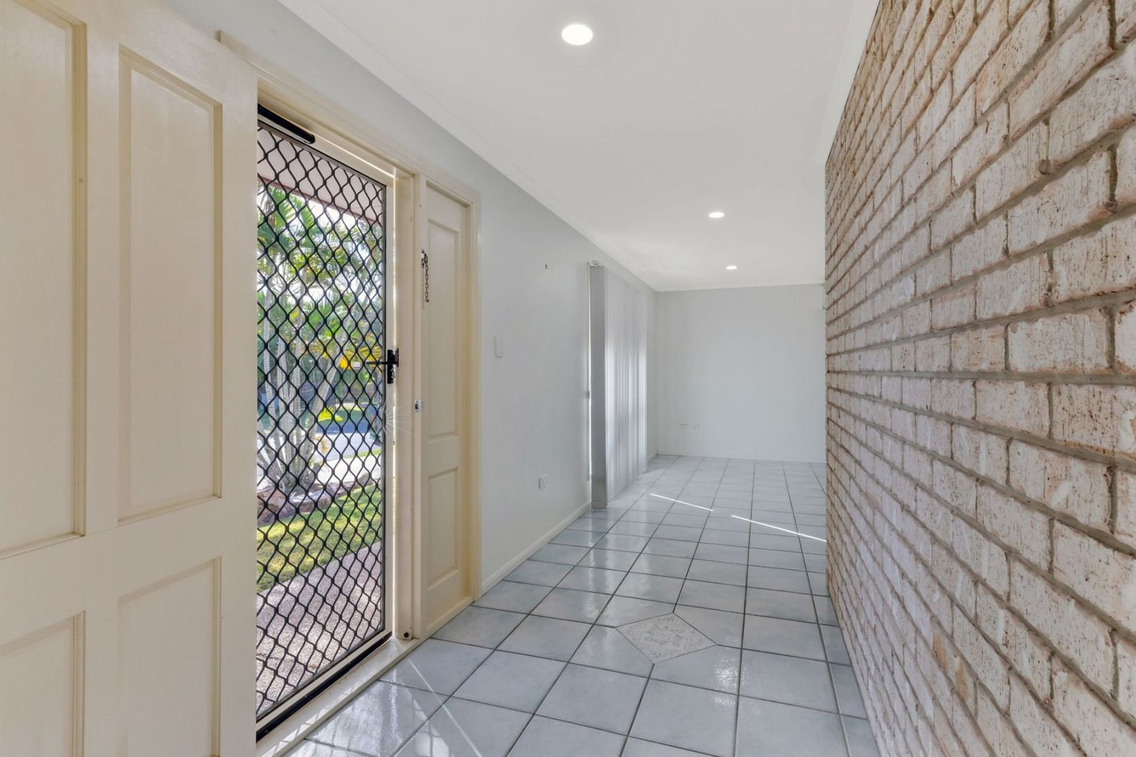 2 Inverness Court, Beaconsfield QLD 4740, Image 2