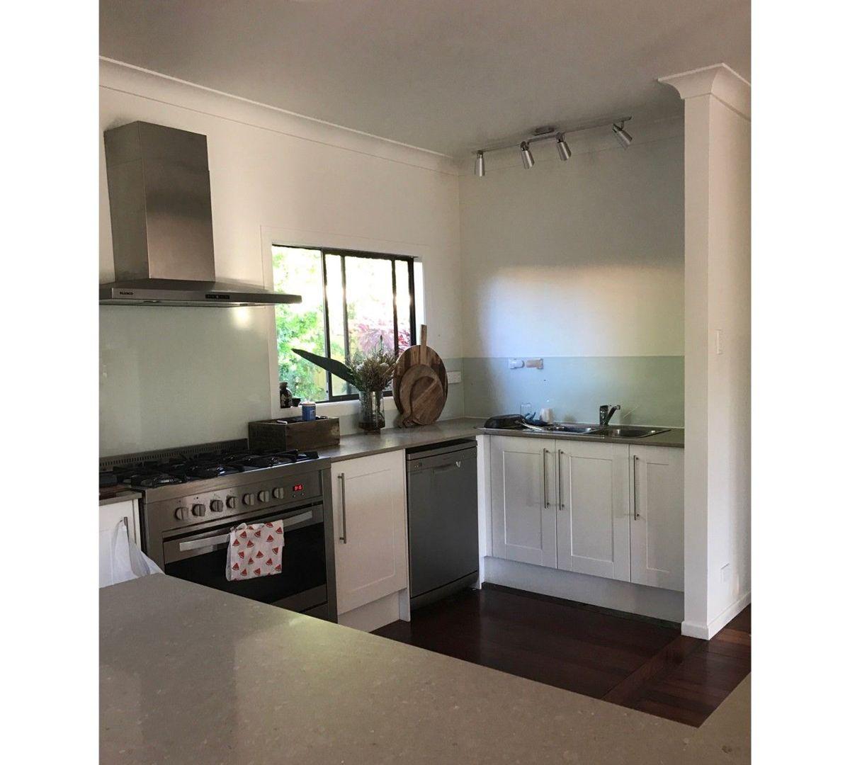 10 Melinda Street, Southport QLD 4215, Image 2