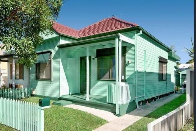 Picture of 13 Nile Street, MAYFIELD NSW 2304