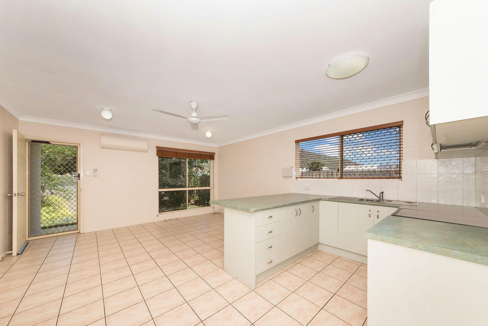 10/14 Nix Street, West End QLD 4810, Image 1