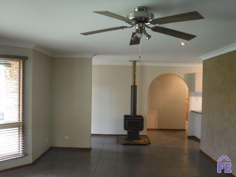 19 Jonelle Street, Kingaroy QLD 4610, Image 2