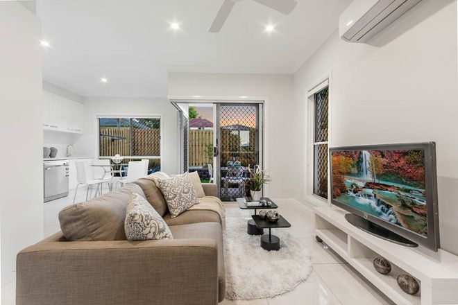Picture of 4/165 Stratton  Terrace, MANLY QLD 4179