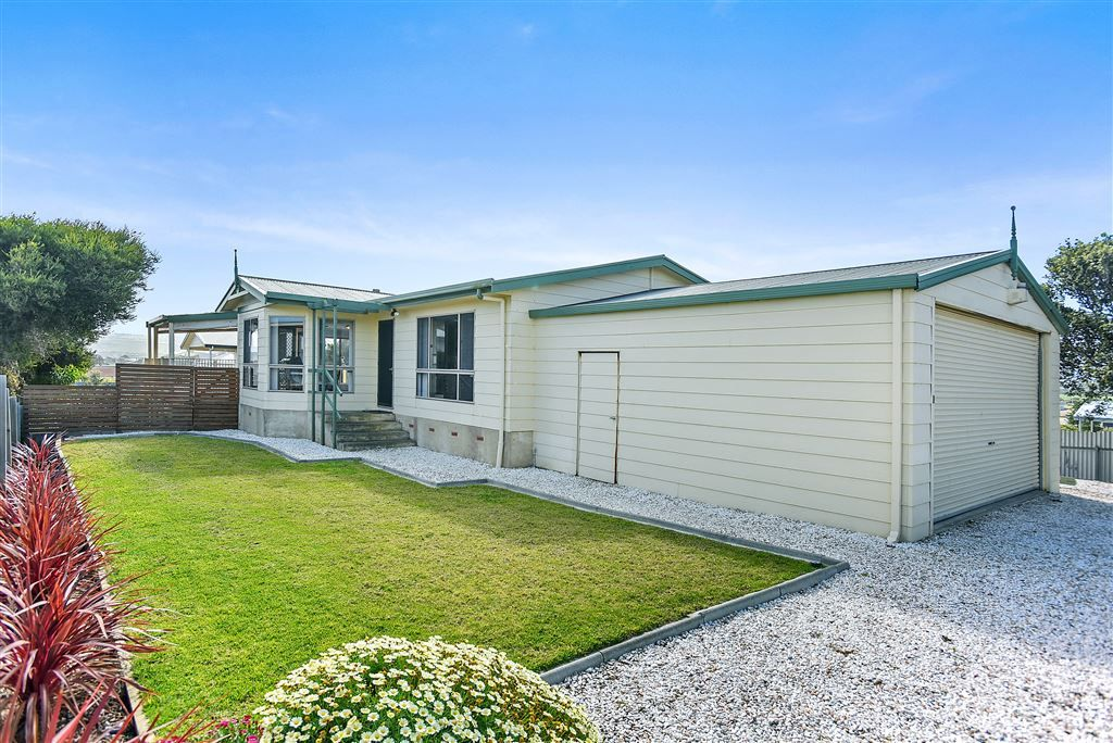 1 Roy Avenue, Middleton SA 5213, Image 2