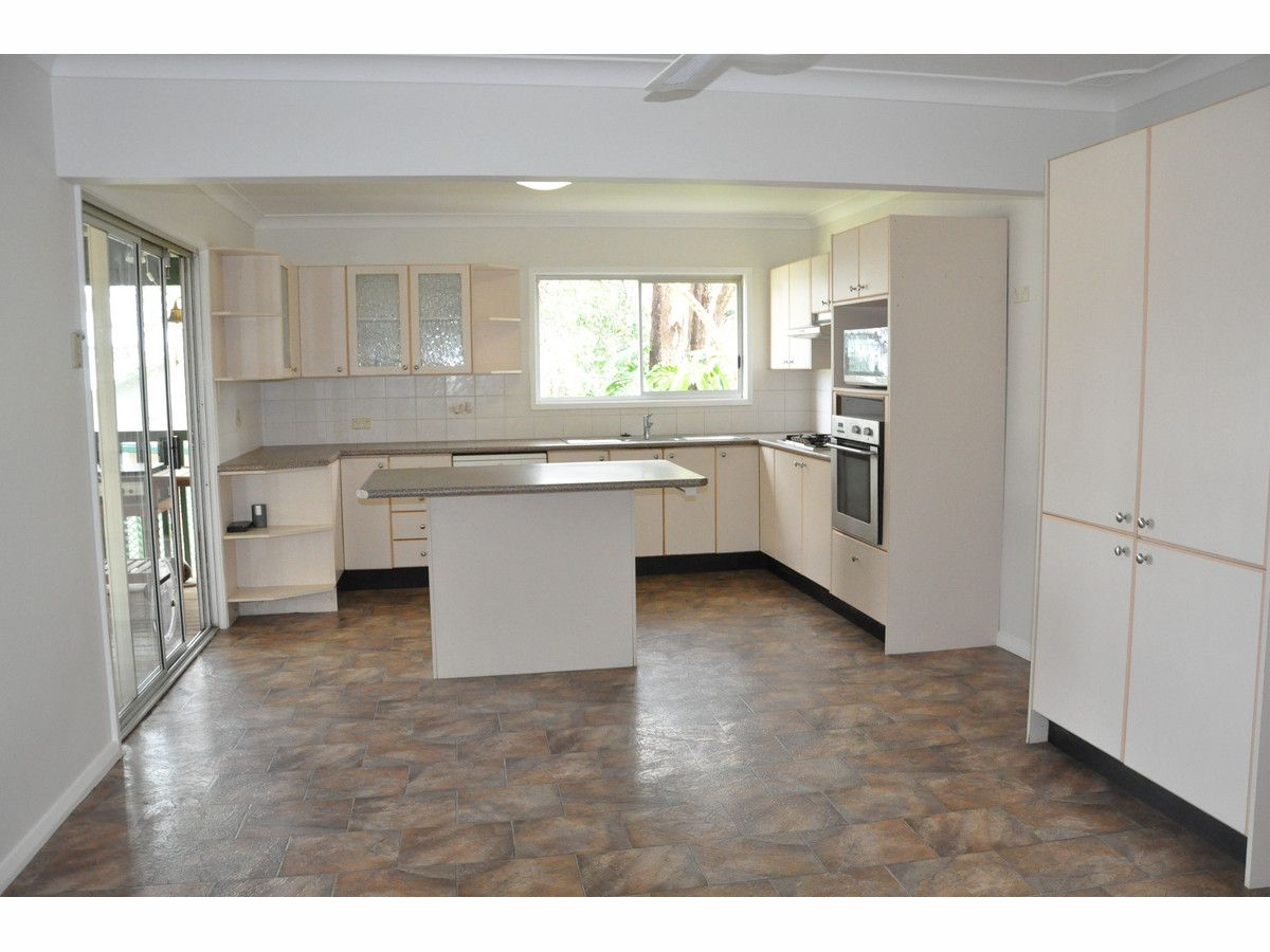 24 Lakedge Avenue, Berkeley Vale NSW 2261, Image 0