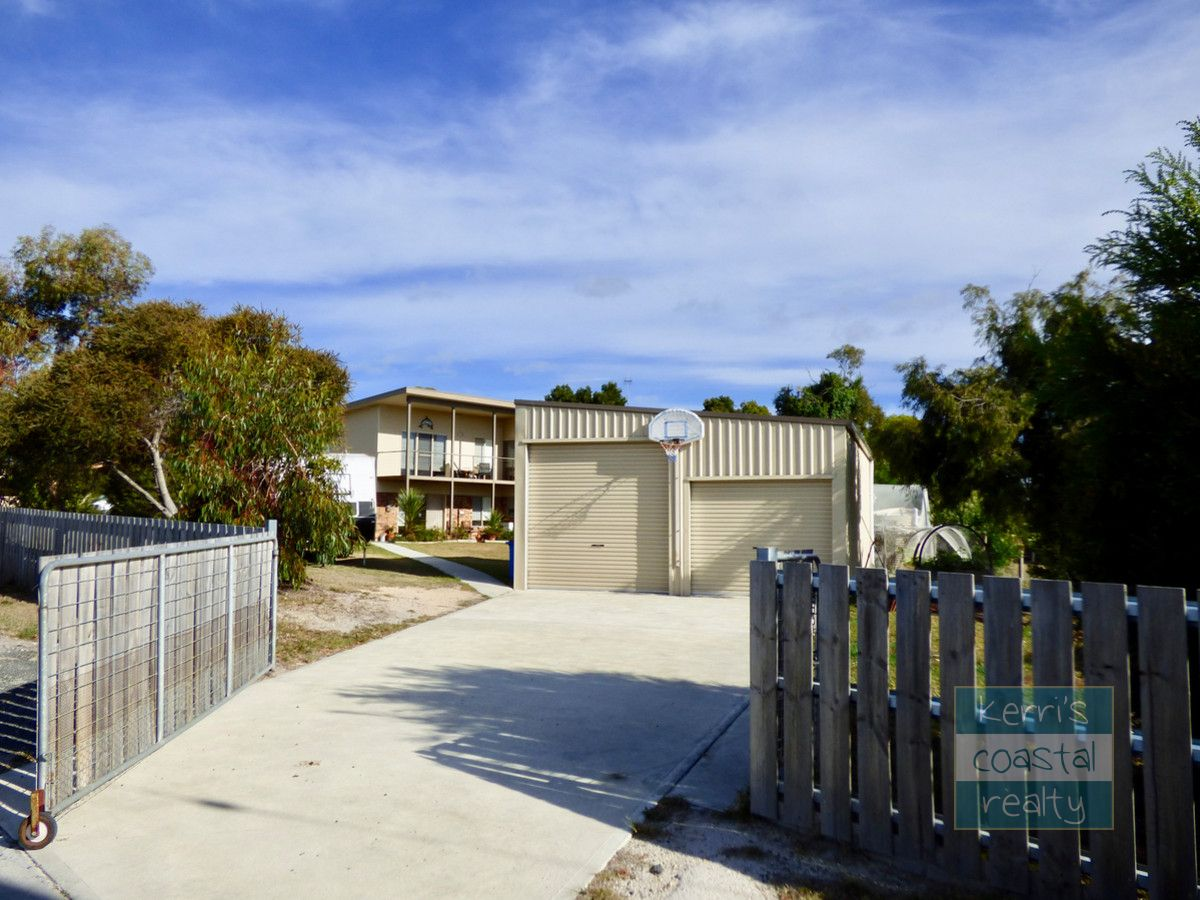 4 Barnett Close, Binalong Bay TAS 7216, Image 2