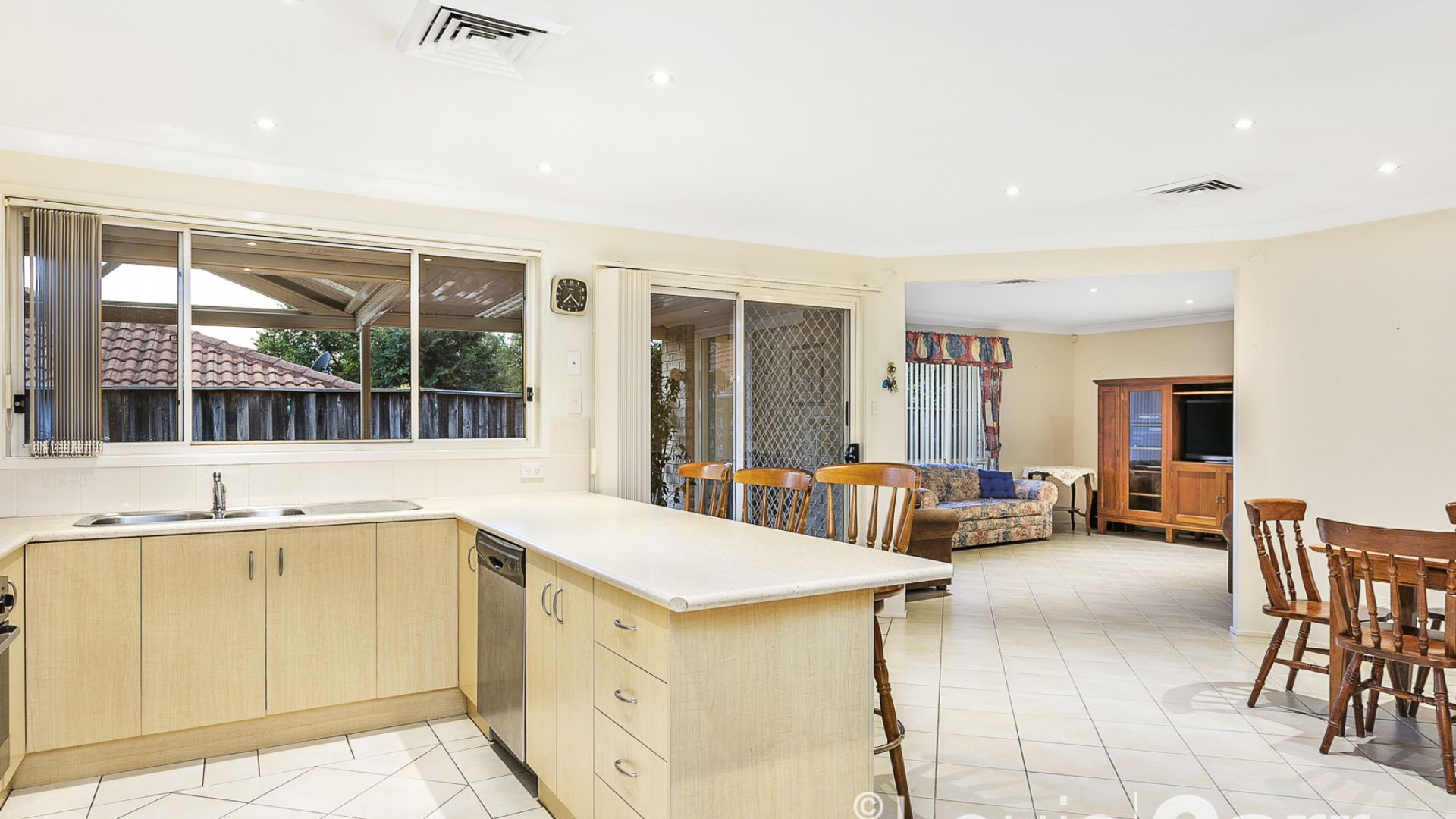 21 Forest Crescent, Beaumont Hills NSW 2155, Image 2