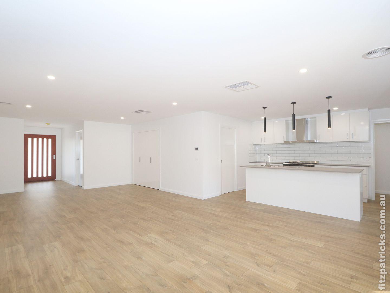 6 Bennelong Crescent, Lloyd NSW 2650, Image 1