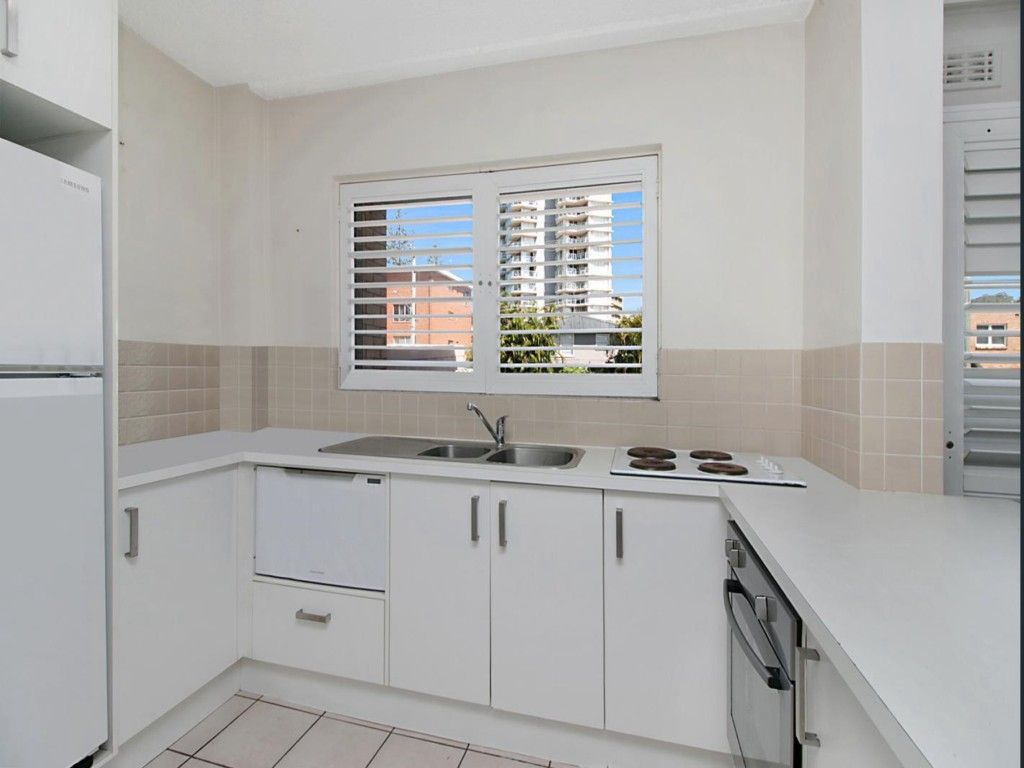1/5 First Avenue, Burleigh Heads QLD 4220, Image 1