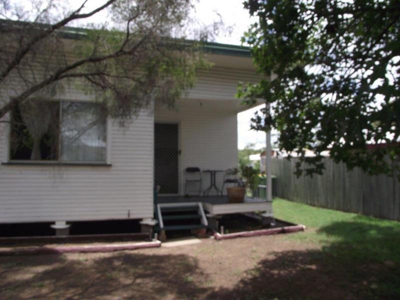 2/123 Pratten Street, Dalby QLD 4405, Image 0