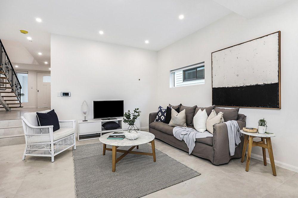 33A Thomas Street, Picnic Point NSW 2213, Image 2