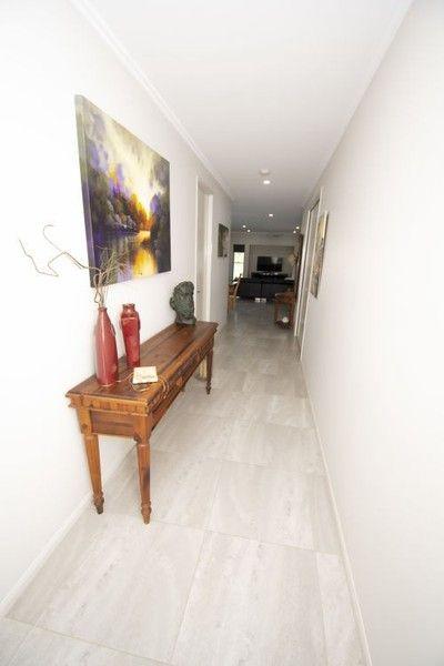 17 Grangewood Avenue, Richmond QLD 4740, Image 2
