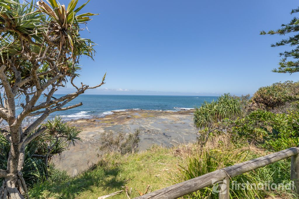 7 Treetop Place, Little Mountain QLD 4551, Image 2