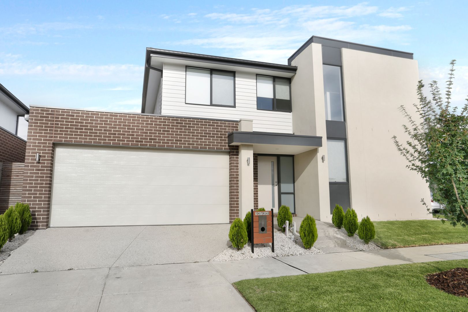 1 Hut Road, Clyde North VIC 3978, Image 0