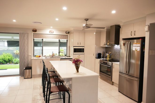 37 Clark Avenue, GLASS HOUSE MOUNTAINS QLD 4518