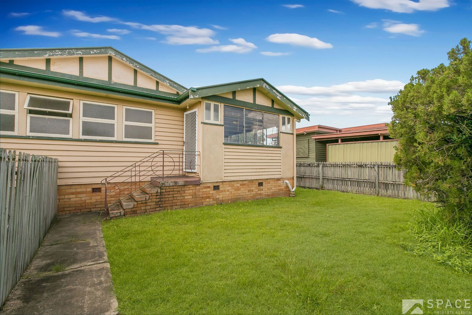 2/82 Raceview Avenue, Hendra QLD 4011, Image 0