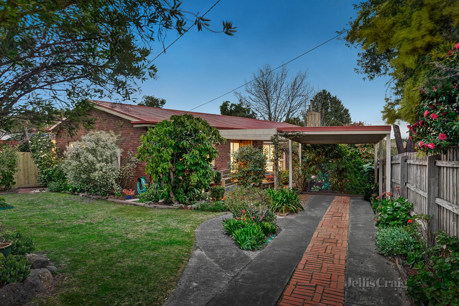 46 Outlook Road, Mount Waverley VIC 3149, Image 0