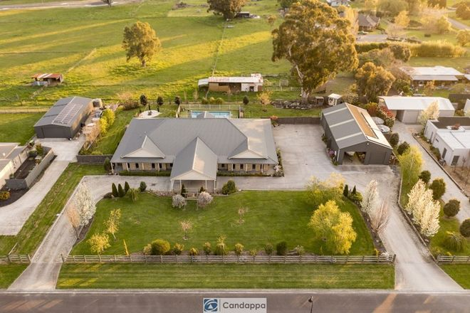 Picture of 9 Oxley Court, DROUIN VIC 3818