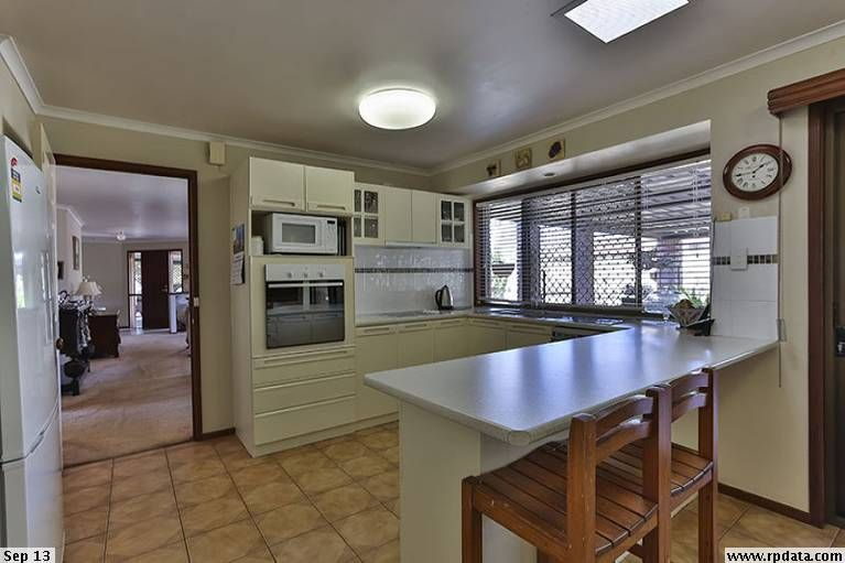 70 Proposch Street, Oakey QLD 4401, Image 2