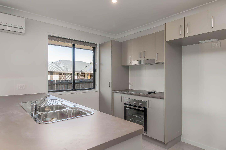 2/132 Exeter Street, Torquay QLD 4655, Image 2