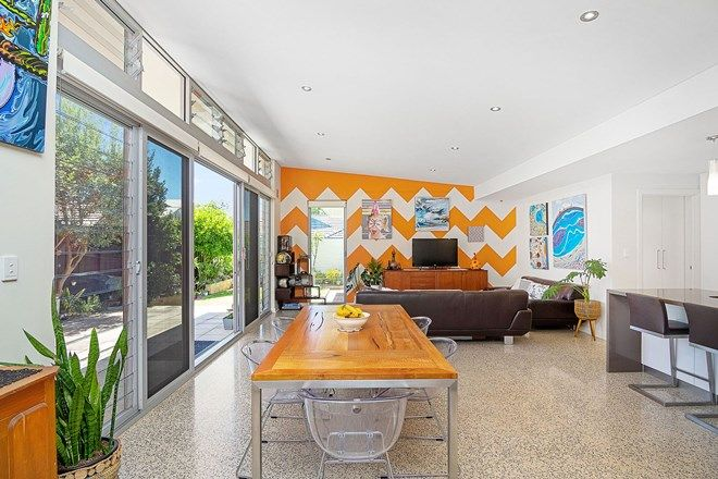 Picture of 38 Brentham Street, MOUNT HAWTHORN WA 6016