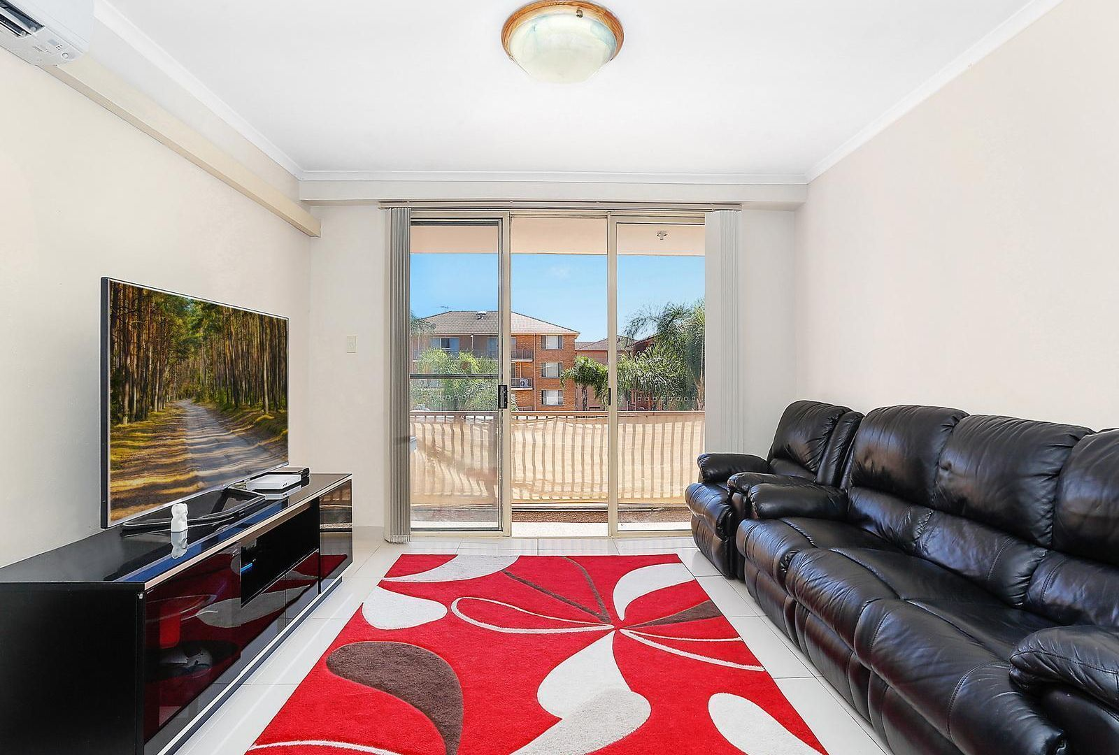 22/2 Riverpark Drive, Liverpool NSW 2170, Image 2