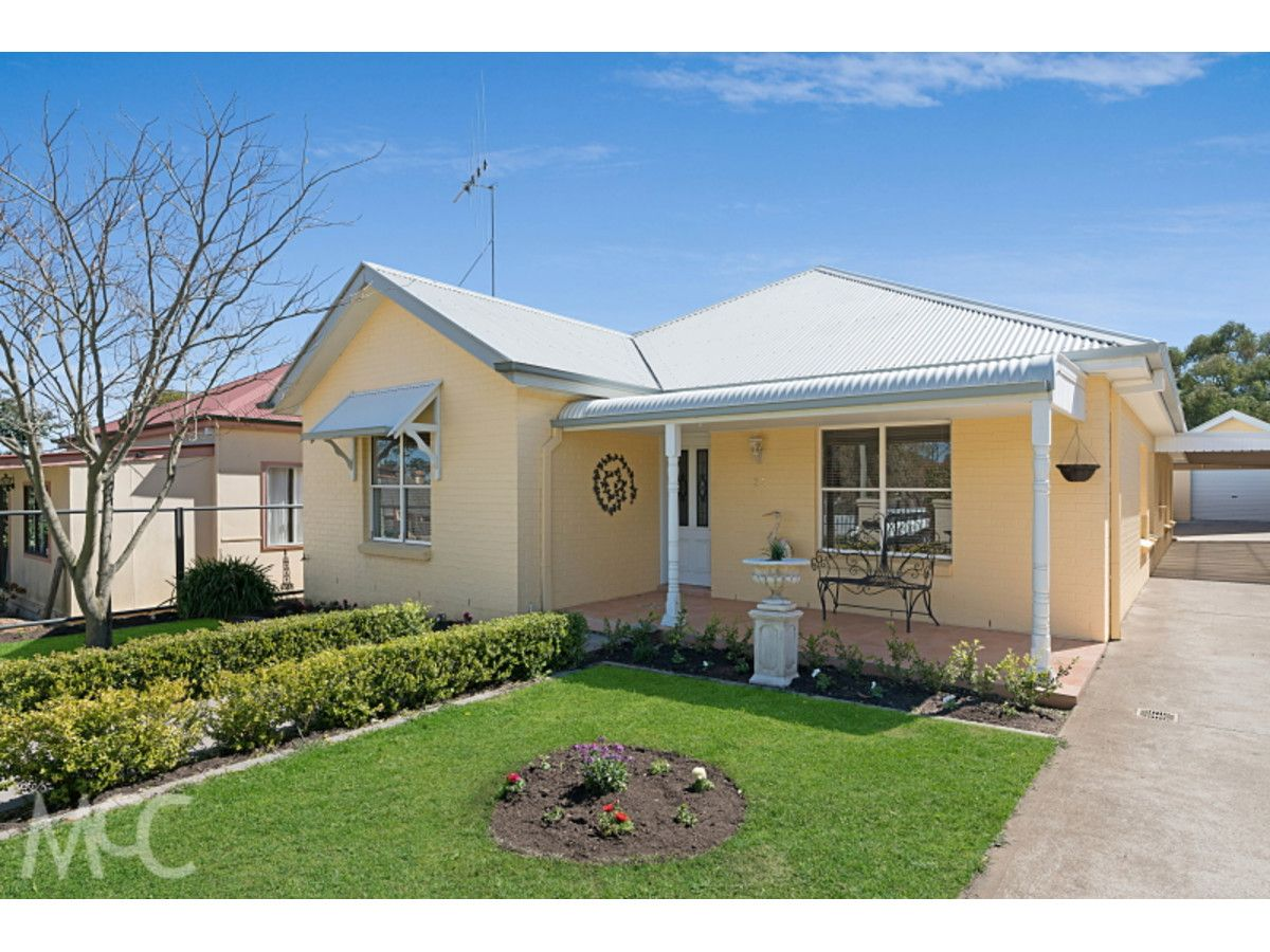 33 Crowson Street, Millthorpe NSW 2798, Image 0