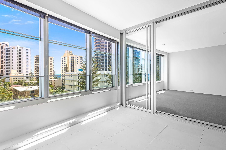 501/9 Hamilton Ave, Surfers Paradise QLD 4217, Image 2