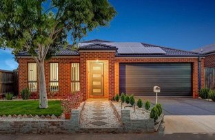 Picture of 1 Fescue Place, Brookfield VIC 3338