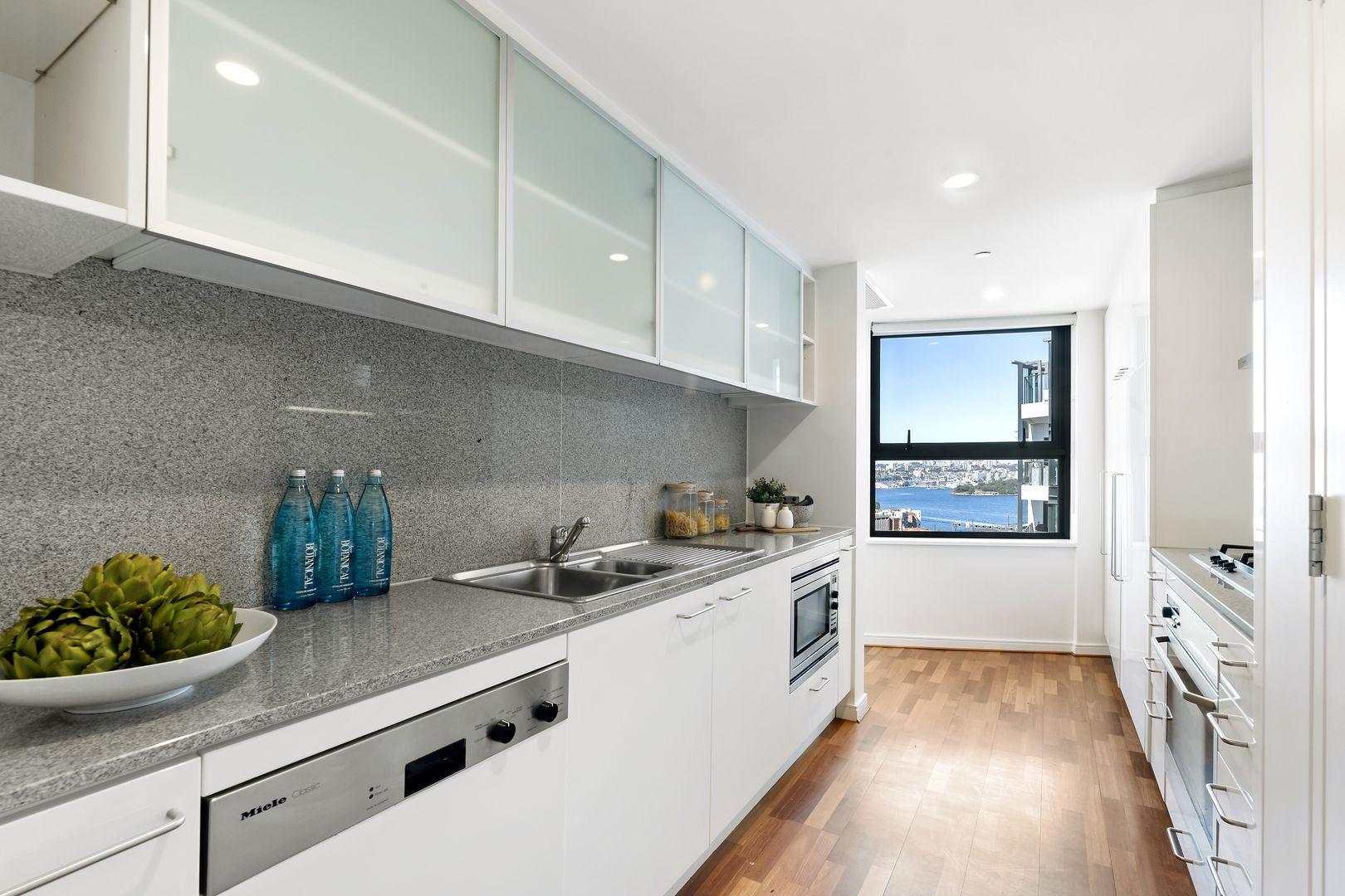 2502/30 Glen Street, Milsons Point NSW 2061, Image 2