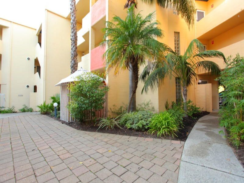 1/61 Elizabeth Street, South Perth WA 6151, Image 2