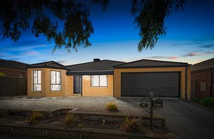 Picture of 14 Stringybark Close, Manor Lakes VIC 3024