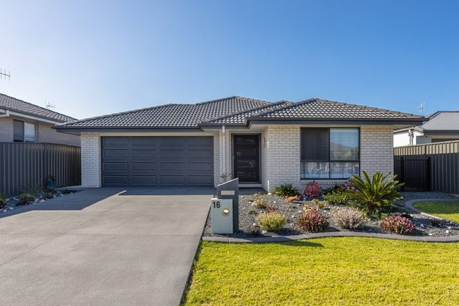 Picture of 16 Mariner Avenue, OLD BAR NSW 2430