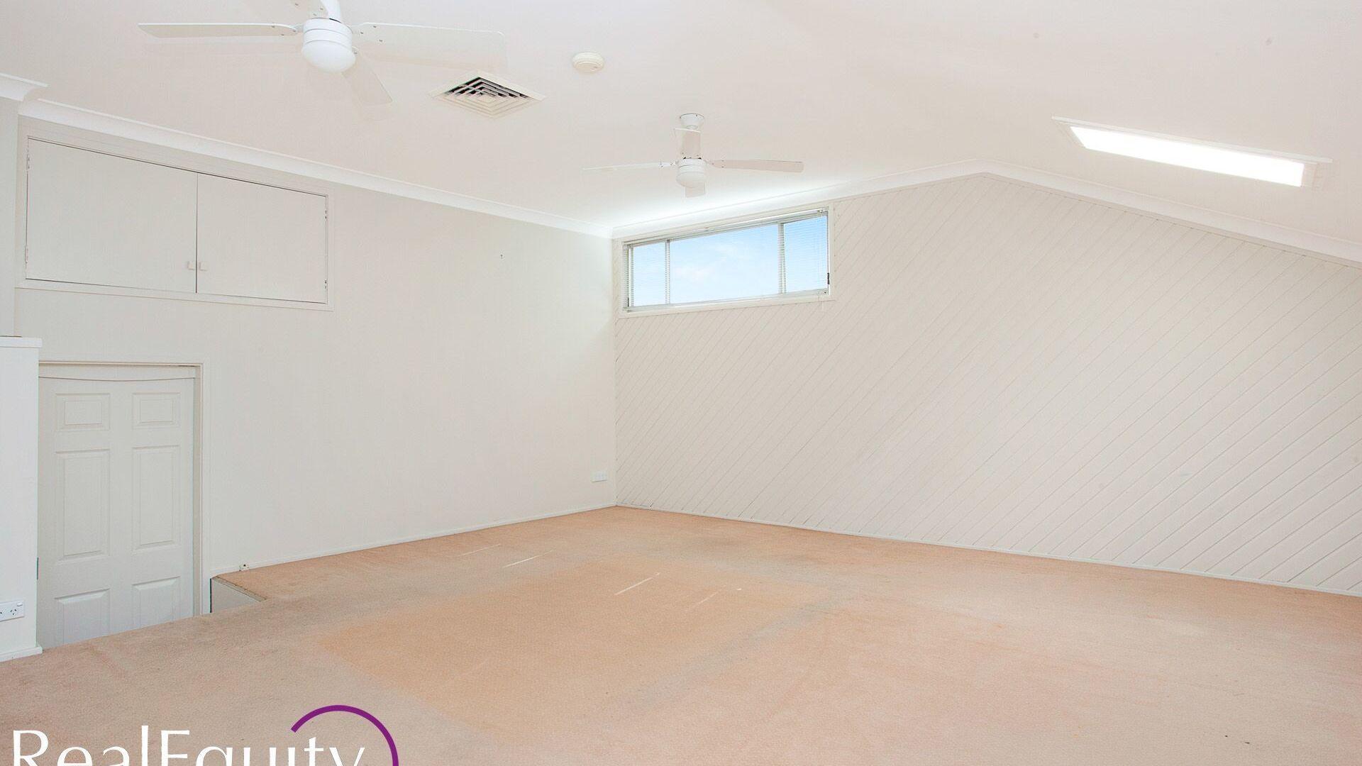 5 Elouera Crescent, Moorebank NSW 2170, Image 2