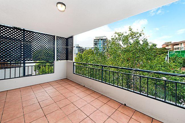 12/12 Rosina Street, Kangaroo Point QLD 4169, Image 1