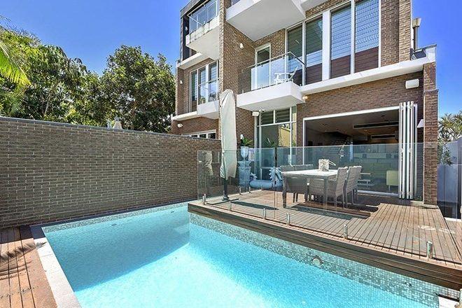 Picture of 42 Peak Avenue, MAIN BEACH QLD 4217