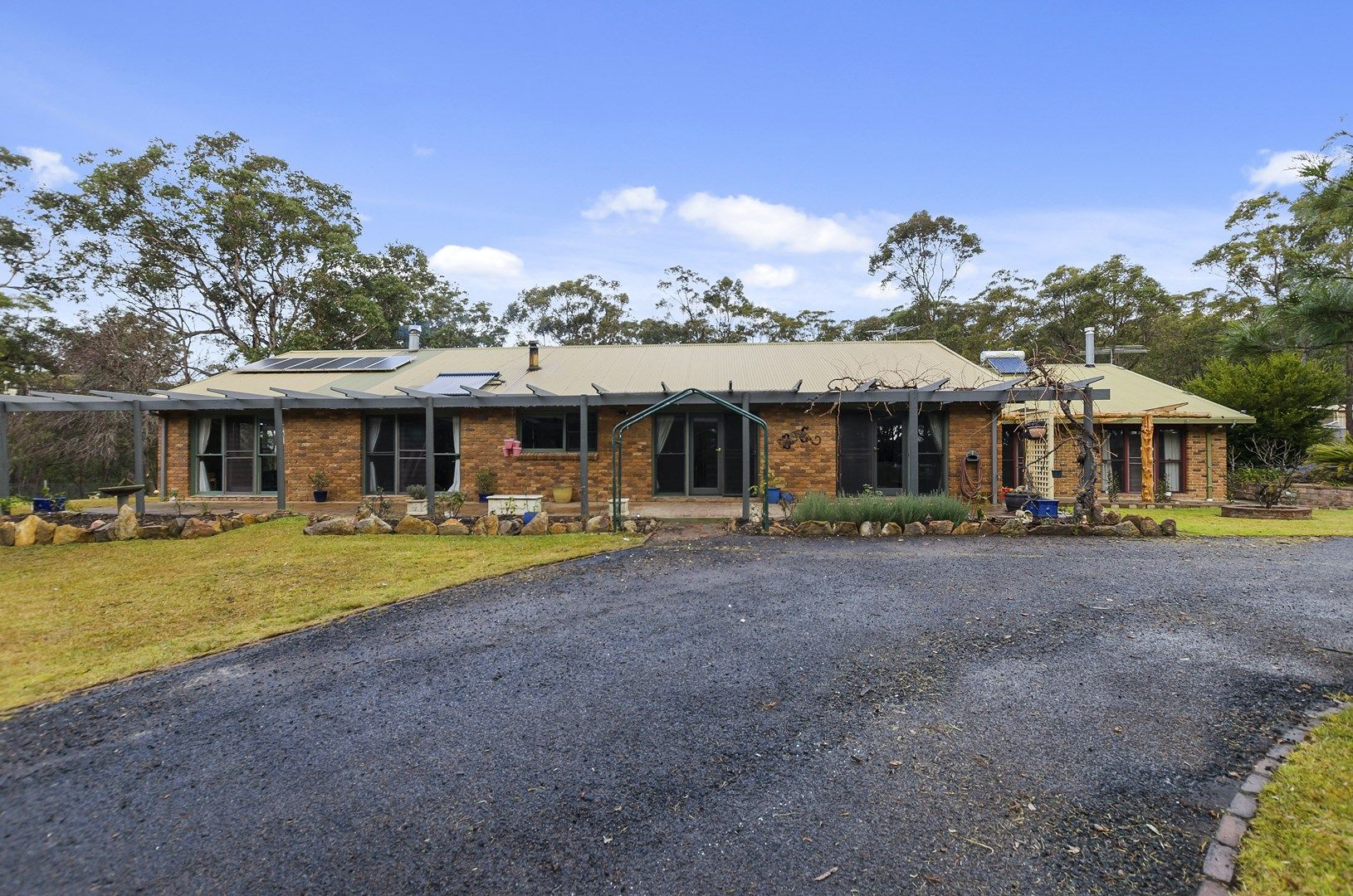 27 Elizabeth Way, Hill Top NSW 2575, Image 0