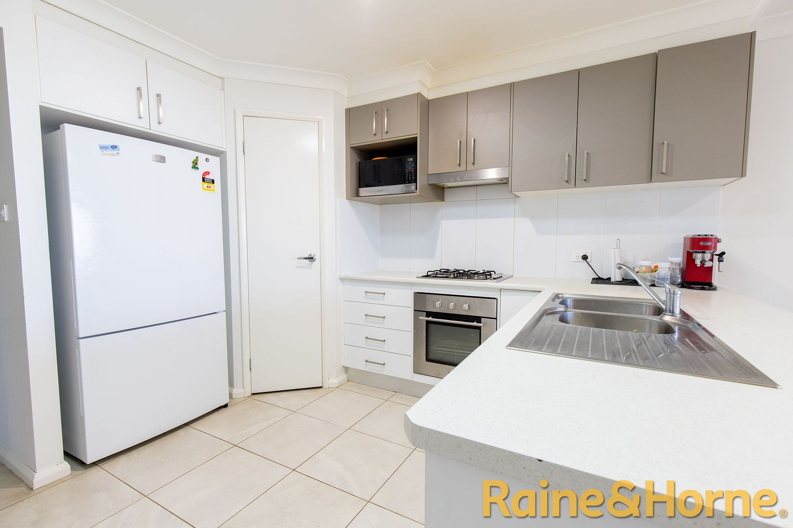 11A Apsley Crescent, Dubbo NSW 2830, Image 2