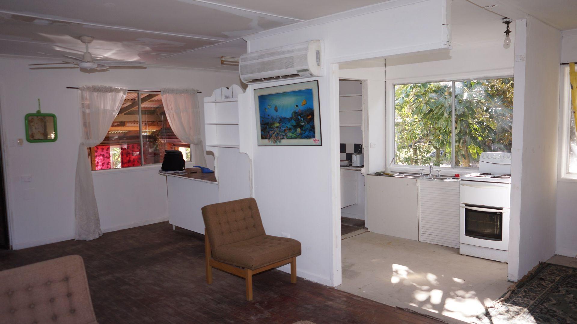 2-4 Panaroo Street, MacLeay Island QLD 4184, Image 2