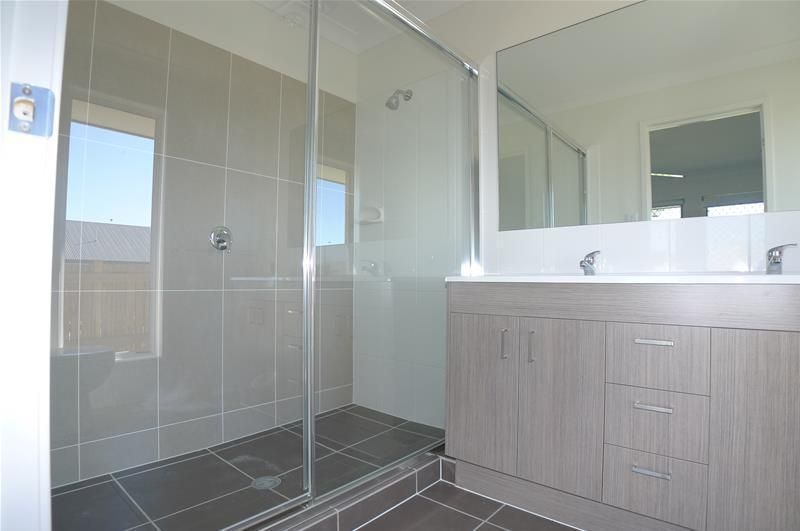 1 Travertine Avenue, Logan Reserve QLD 4133, Image 2