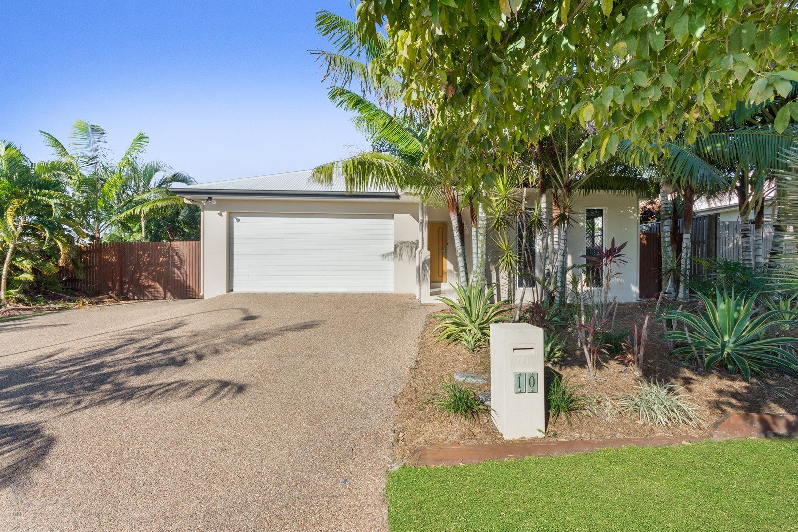 10 Channel Street, Bushland Beach QLD 4818, Image 0