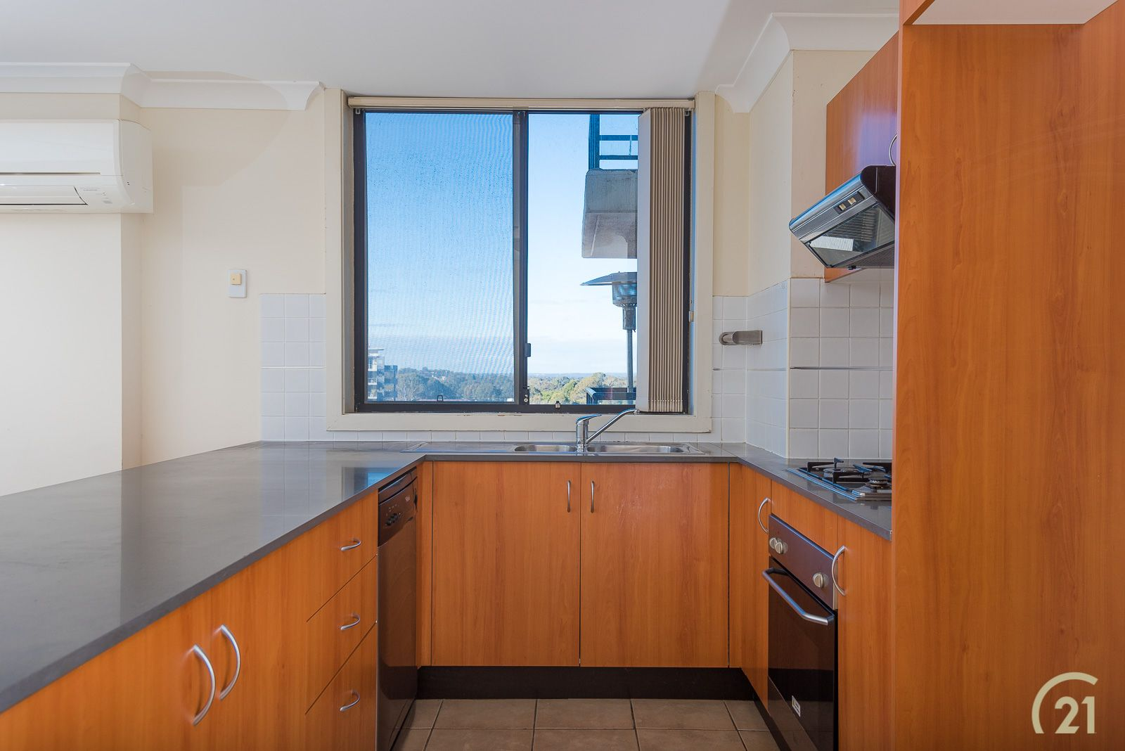 909/1 Spencer Street, Fairfield NSW 2165, Image 2