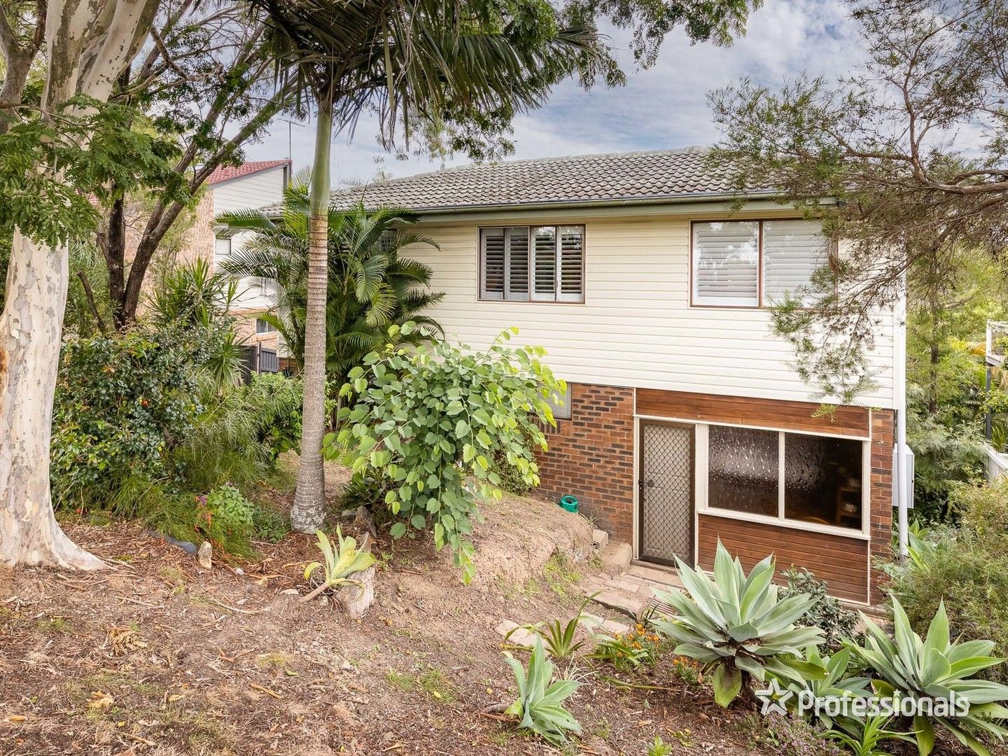 936 South Pine Road, Everton Hills QLD 4053, Image 2