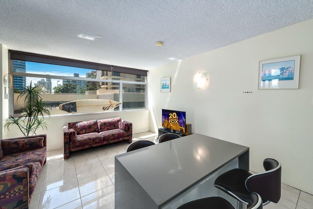 4B/34 Hanlan Street, Surfers Paradise QLD 4217, Image 2