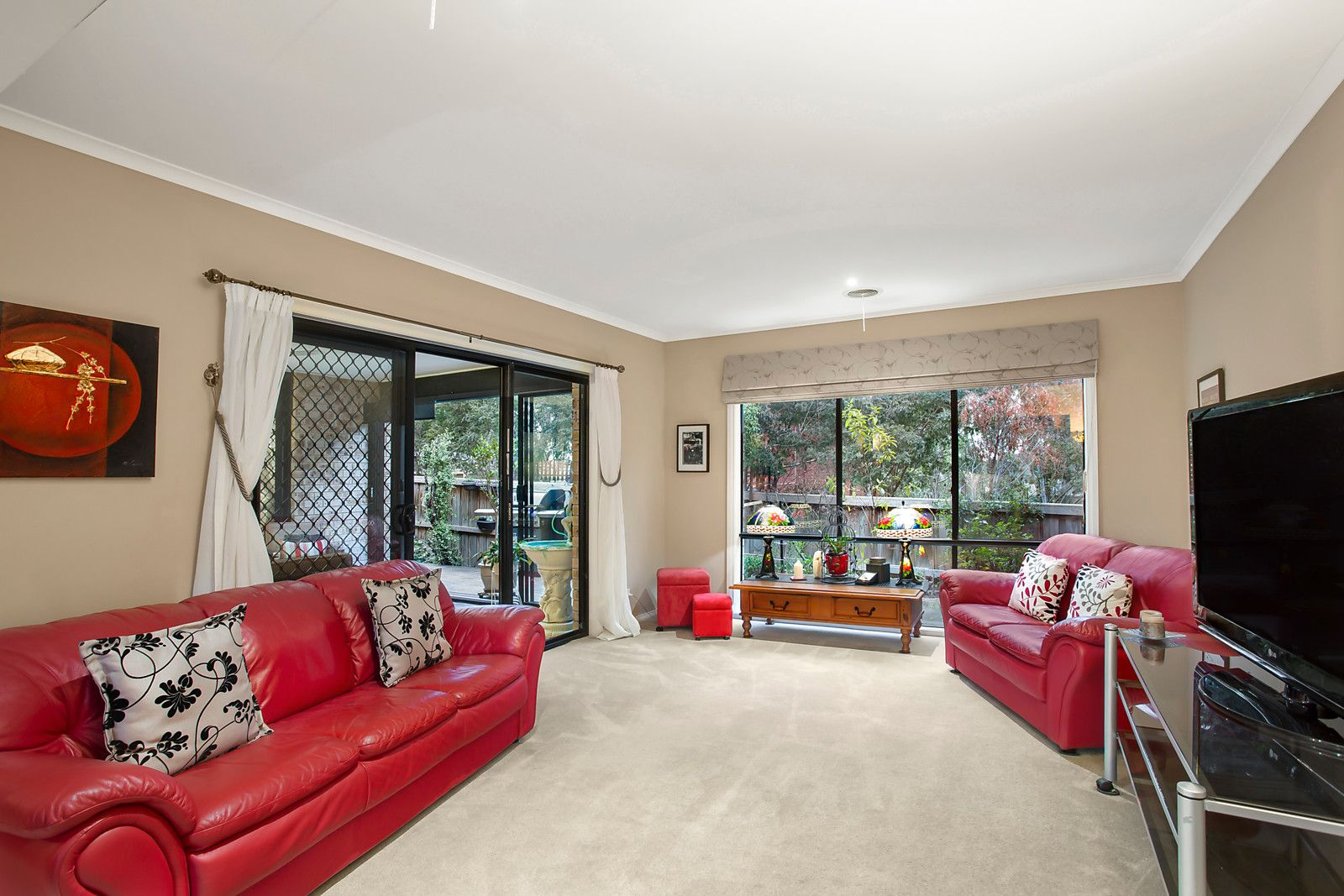 30 Brownlow Drive, Diamond Creek VIC 3089, Image 2