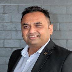 Khilen Patel, Principal/Licensed Agent