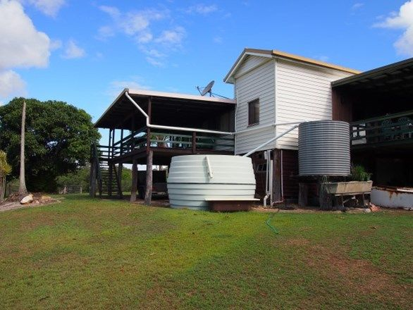 1 Roseys Court, Craignish QLD 4655, Image 2
