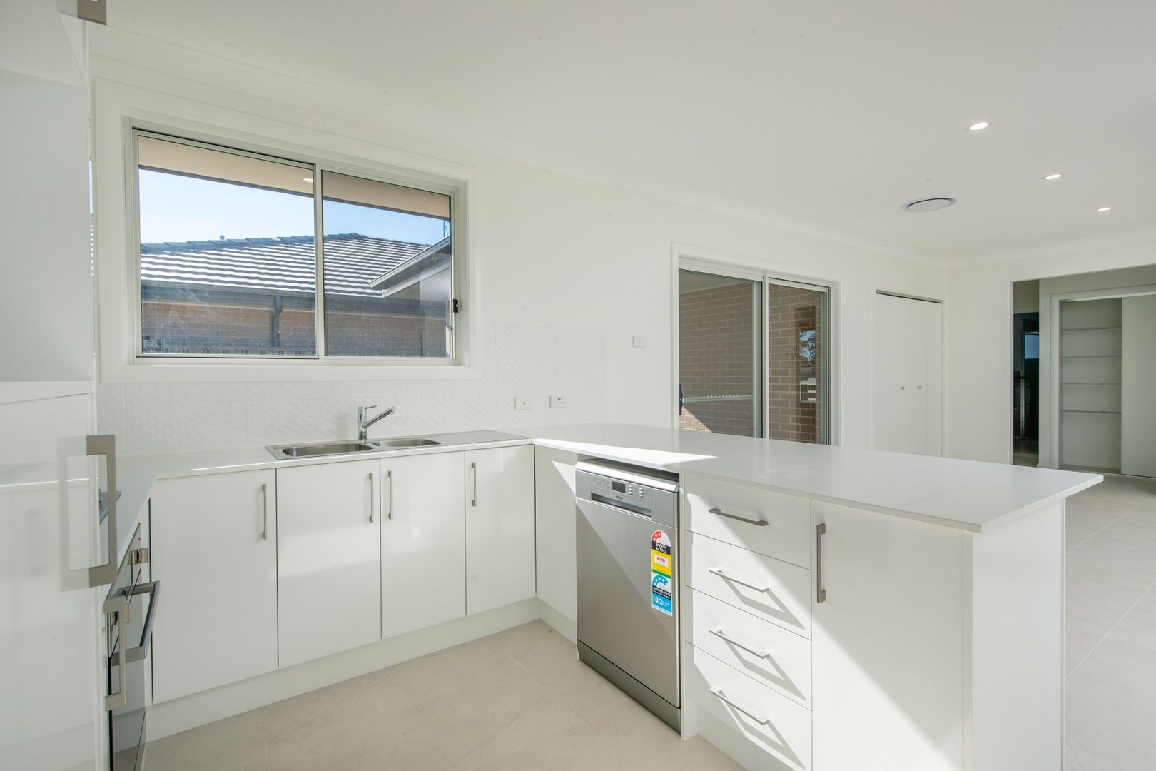 2 Sutcliffe Street, Cameron Park NSW 2285, Image 2