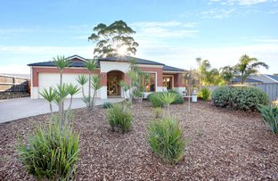 Picture of 2 Illawarra Place, Rosebud VIC 3939